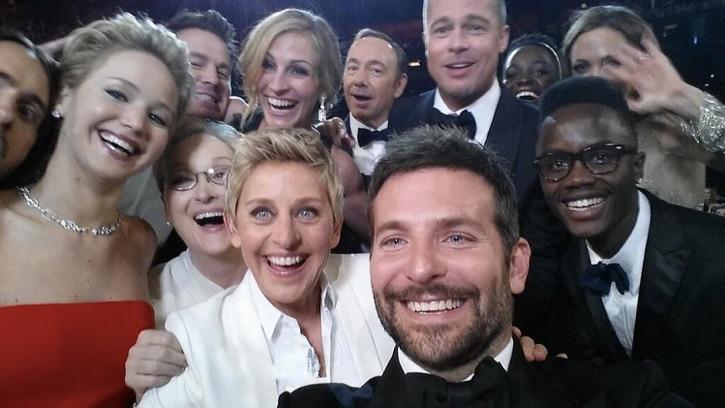 [Resim: ellen-selfie.jpg]