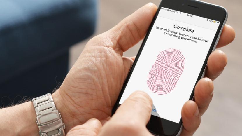 iPhone için ekrandan parmak izi okuma müjdesi!