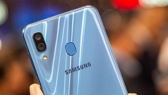 Galaxy A30 için dikkat çeken kamera güncellemesi!